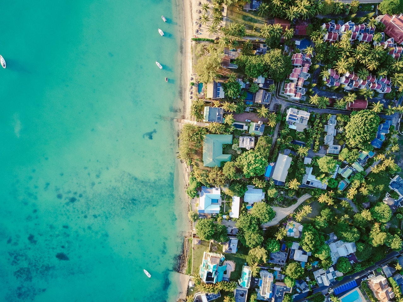 aerial-architecture-beach-boats-417351